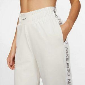 Nike Woman's Tear pants